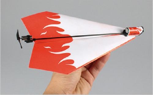 Chiếc máy bay giấy được gắn động cơ